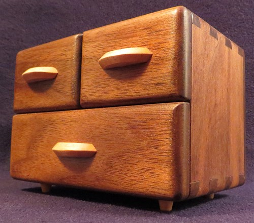 Riccardo_Anfosso_Dovetail -Chest -Of -Drawers